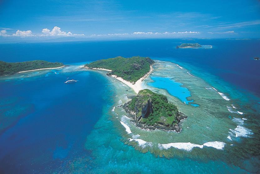 Yasawa and Mamanuca Island cruise Fiji