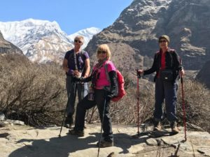 women trek NEpal